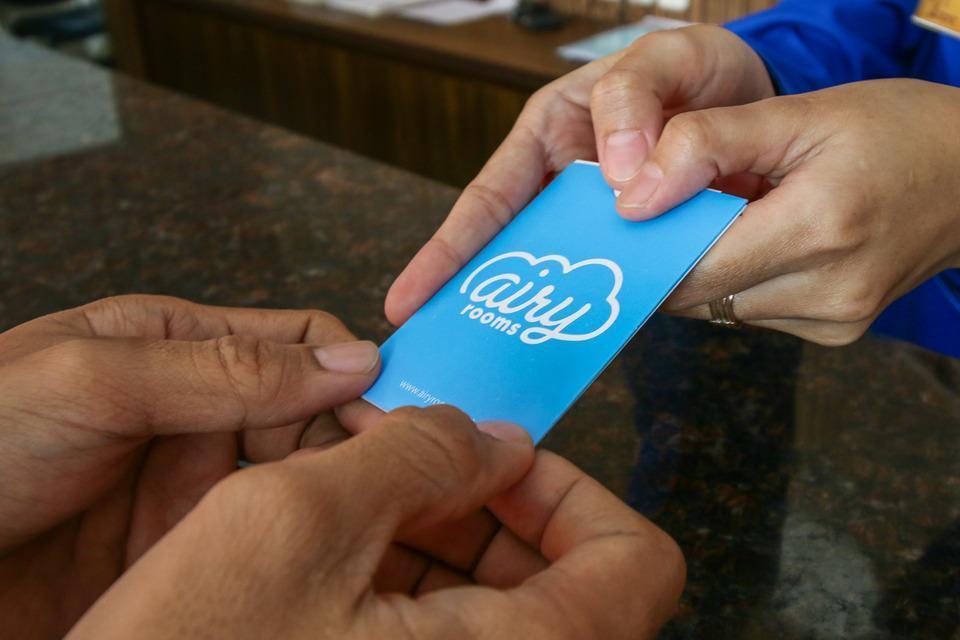 Airy Panakkukang Pandang Raya 12 Makassar - Receptionist