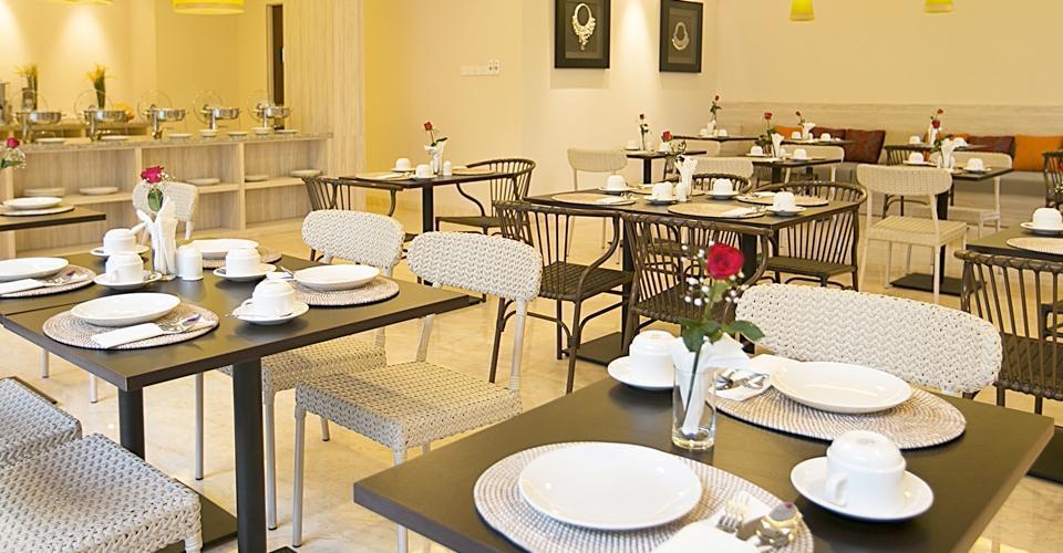 Hotel Terrace at  Kuta - Restoran