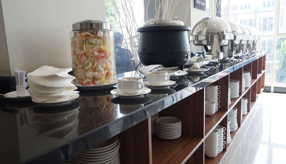 ZEN Rooms Raya Mastrip Surabaya - Restoran