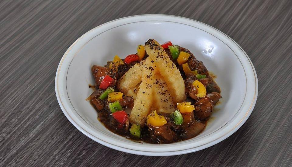 Clover Homestay Probolinggo - ayam saus lada hitam