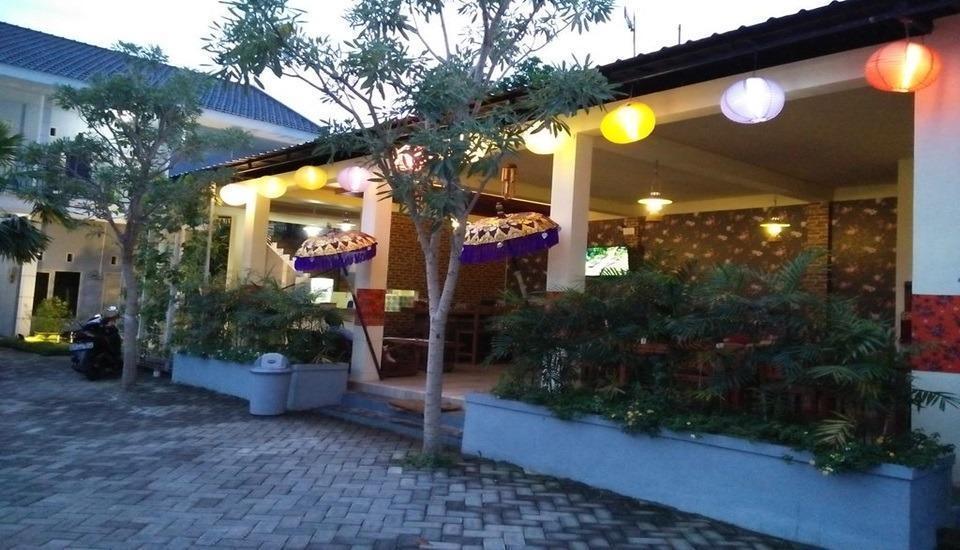 Clover Homestay Probolinggo - Exterior