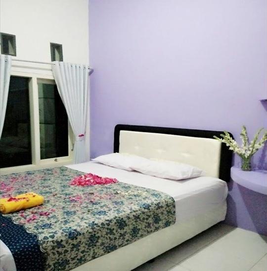 Clover Homestay Probolinggo - Room