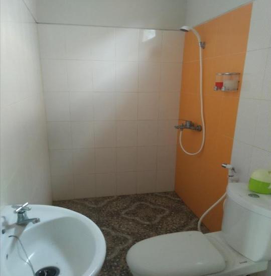 Clover Homestay Probolinggo - Bathroom
