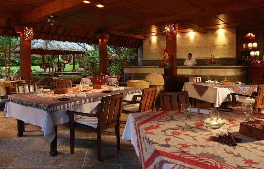 Warwick Ibah Hotel Luxury Villa and Spa Bali - Restoran