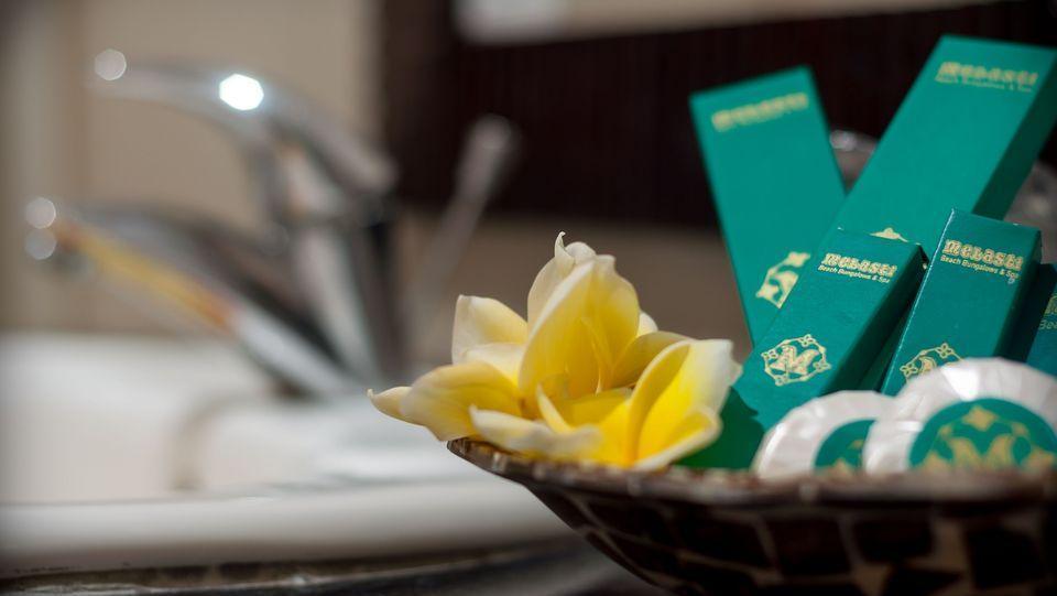 Melasti Beach Bungalow Bali - Fasilitas di kamar mandi