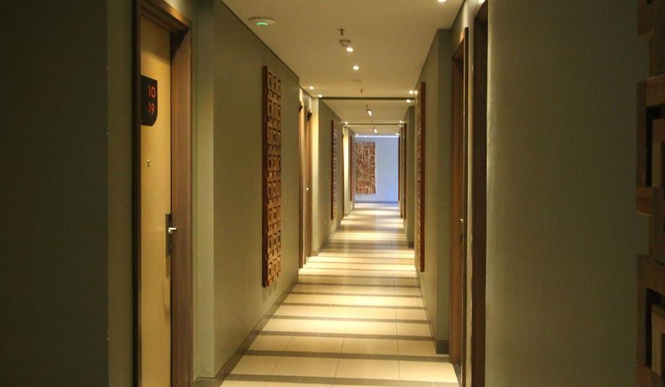 THE 101  Dago - Corridor