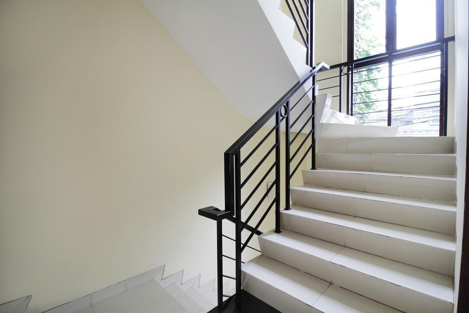 Airy Eco Setiabudi Tengah 3 Jakarta Jakarta South - Stairs