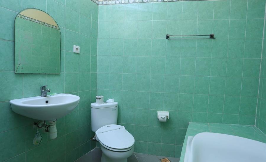 RedDoorz @Legian Lebak Bene Bali - Kamar mandi