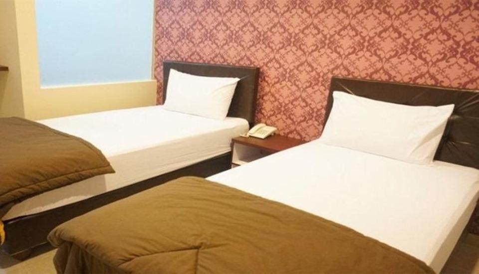 Hotel Lotus  Cirebon - Room