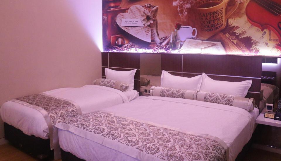 Malang City Boulevard Homestay Klojen - Luxury