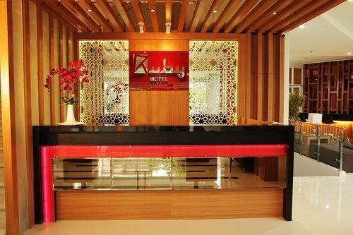 Ruby Hotel Syariah Bandung - Front Desk