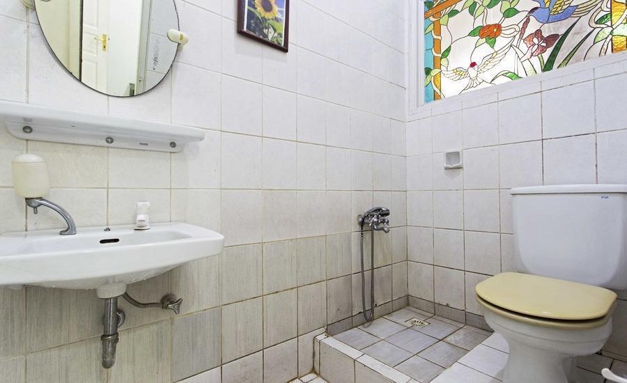 RedDoorz Cibubur Jakarta - Kamar mandi