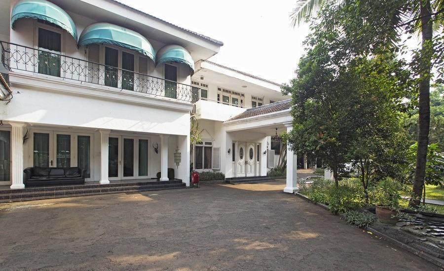 RedDoorz Cibubur Jakarta - Eksterior