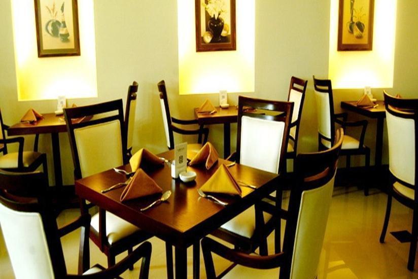 The Sun Hotel Madiun - Ruang Makan