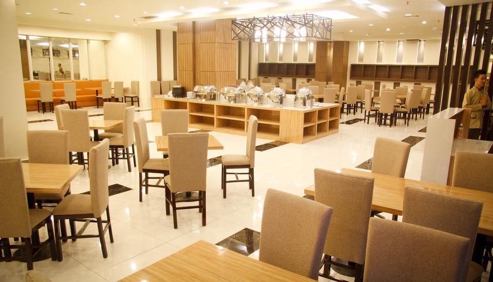 "The Sun Hotel Madiun - ""7"" Restaurant"