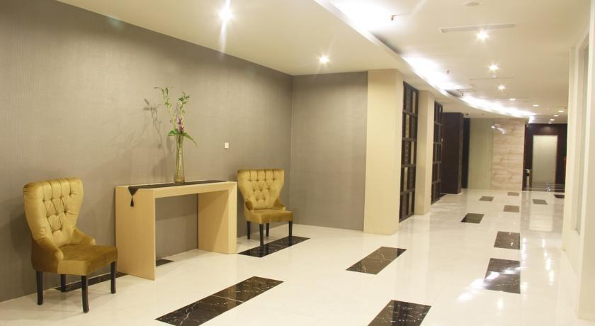 The Sun Hotel Madiun - lobby