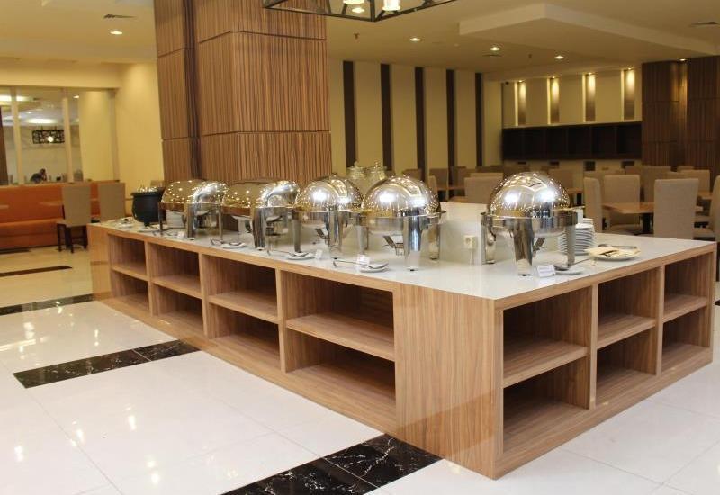 The Sun Hotel Madiun - restaurant