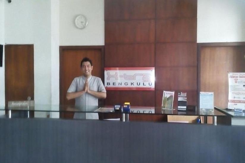 Xtra Hotel Bengkulu - Resepsionis