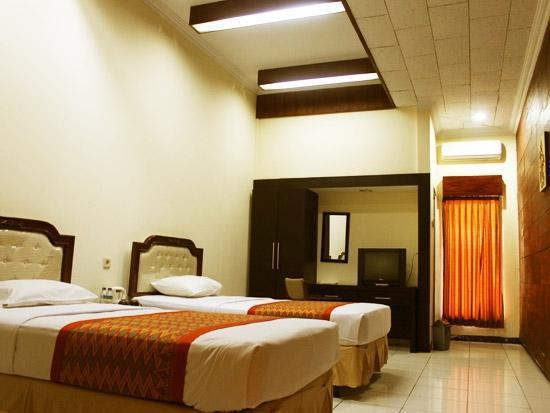 Gadjah Mada University Club Hotel Yogyakarta - Deluxe double or twin room  Regular Plan