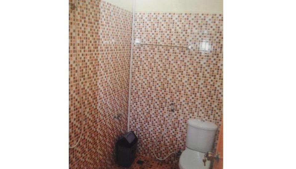 Lingga Inn Penginapan Keluarga Medan - Bathroom