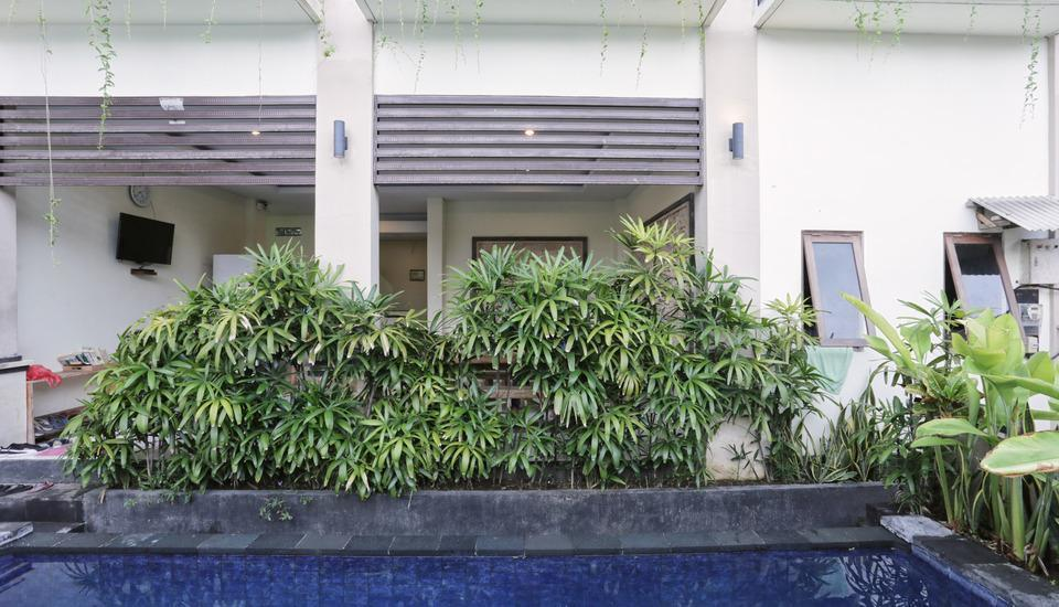 RedDoorz @Benesari 2 Bali - Kolam Renang