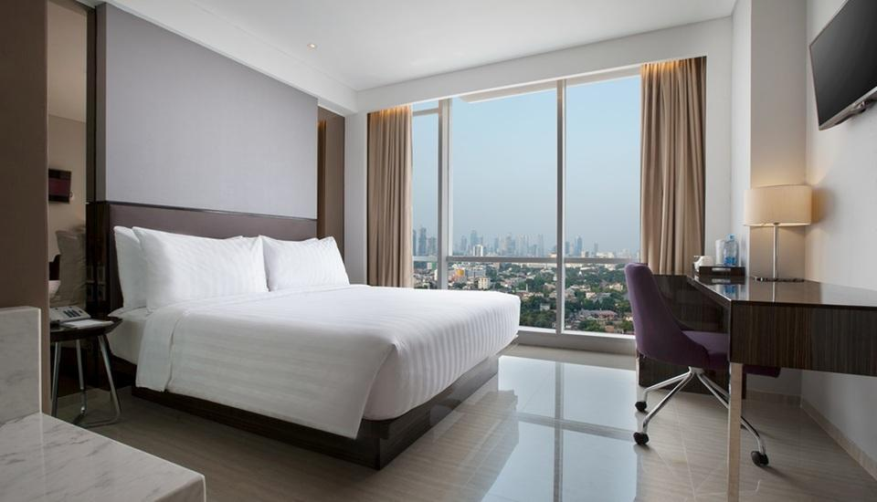 Hotel Santika Premiere Hayam Wuruk - Deluxe Room King Special Offer Regular Plan