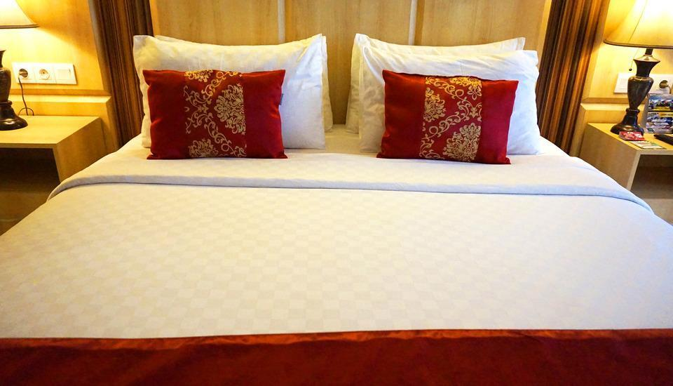 Sapphire Sky Hotel BSD - Executive Room Regular Plan