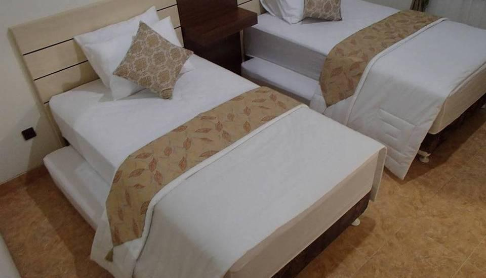 Shakila Guest House Malang - Family Room Save 5% Free Laundry 2pcs