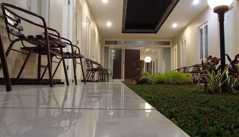 Shakila Guest House Malang - Eksterior