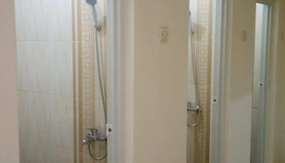 Shakila Guest House Malang - Bathroom Dormitory