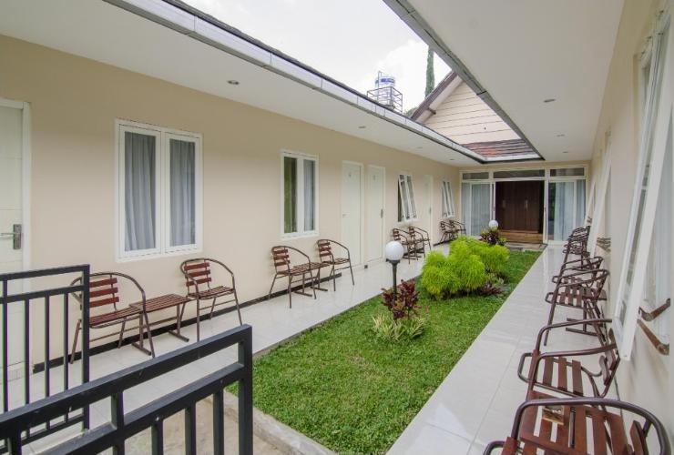 Shakila Guest House Malang - Halaman