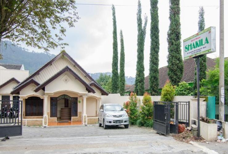 Shakila Guest House Malang - Tampak Depan