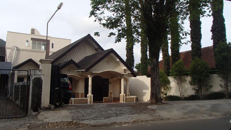 Shakila Guest House Malang - building