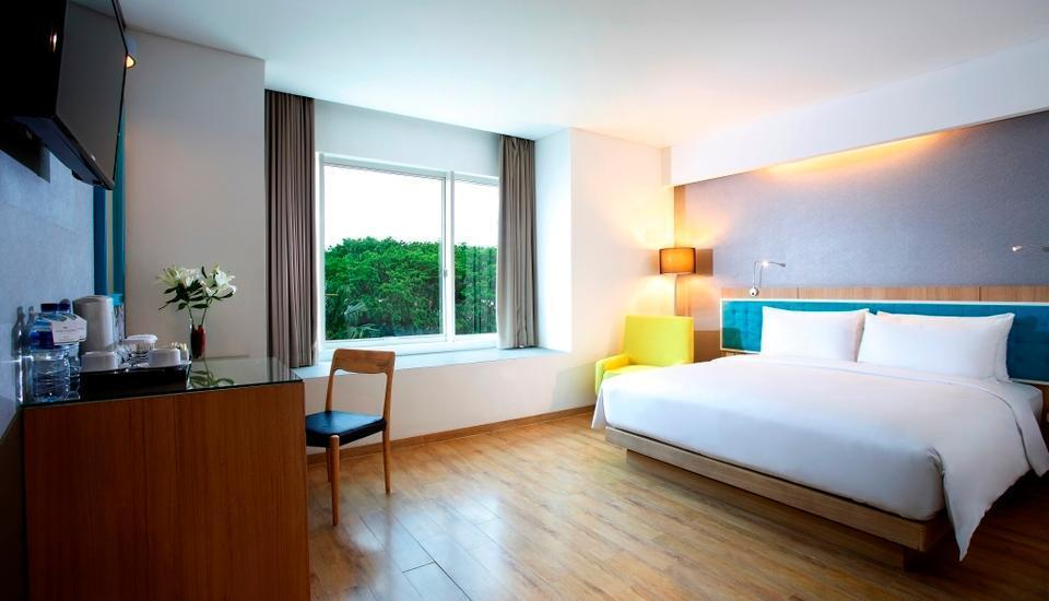 Santika Kelapa Gading - Deluxe Room King Regular Plan