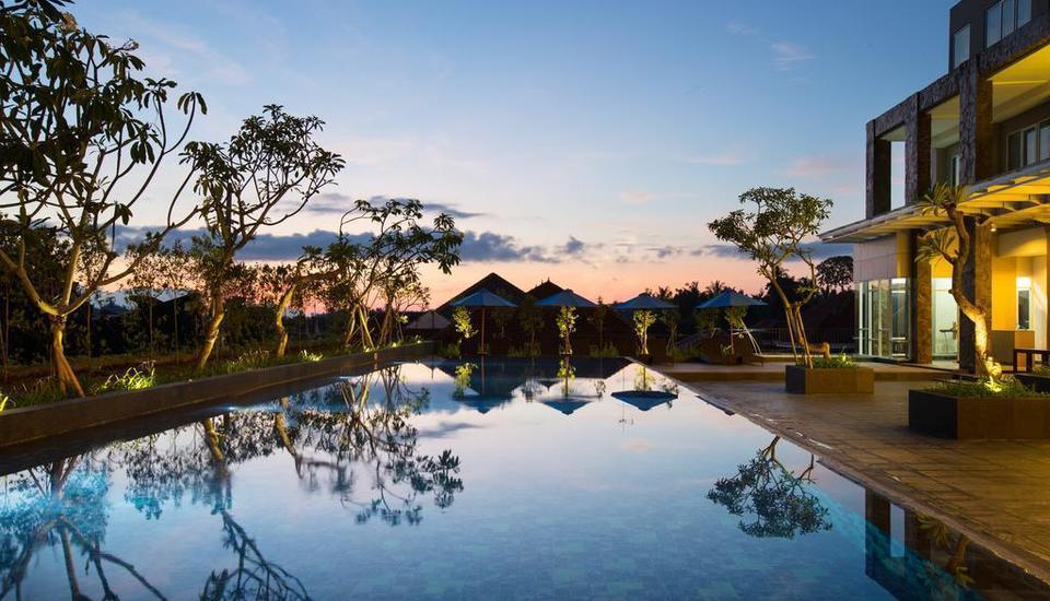 Hotel Santika Banyuwangi - Kolam Renang