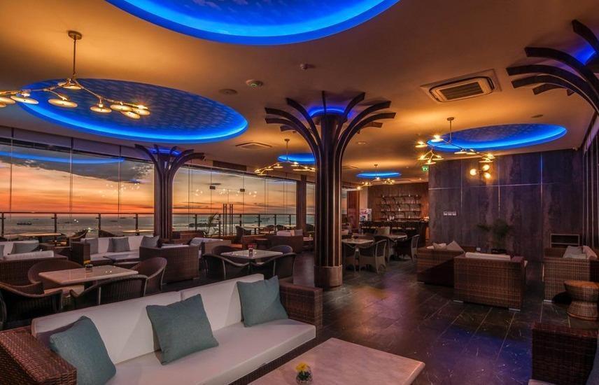 Arthama Hotels Losari Makassar - Restaurant