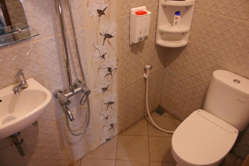 Villa Condong Catur Yogyakarta - Bathroom