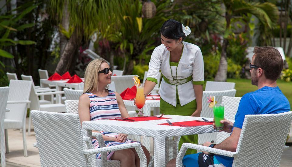Prime Plaza Suites Sanur Bali - Dining area