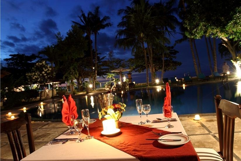 Sunari Beach Resort Bali - Makan malam romantis