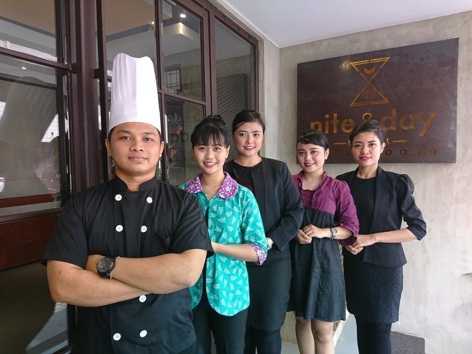 Nite & Day Surabaya - Kedungdoro Surabaya - staff