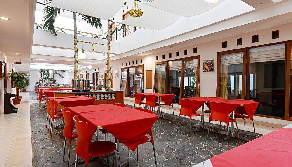ZenRooms Pasteur Babakan Jeruk - Restoran