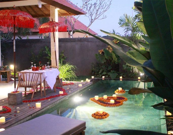 Purana Boutique Resort Bali - Candle Light Dinner