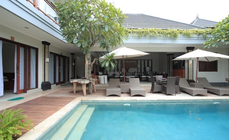 RedDoorz @Raya Batu Bolong Bali - Kolam Renang