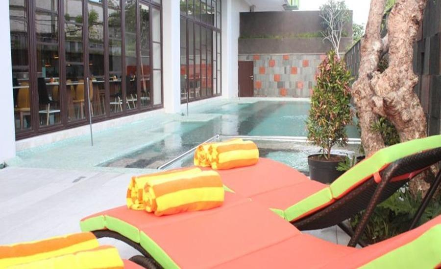 Grand Livio Kuta Hotel Bali - Kolam Renang