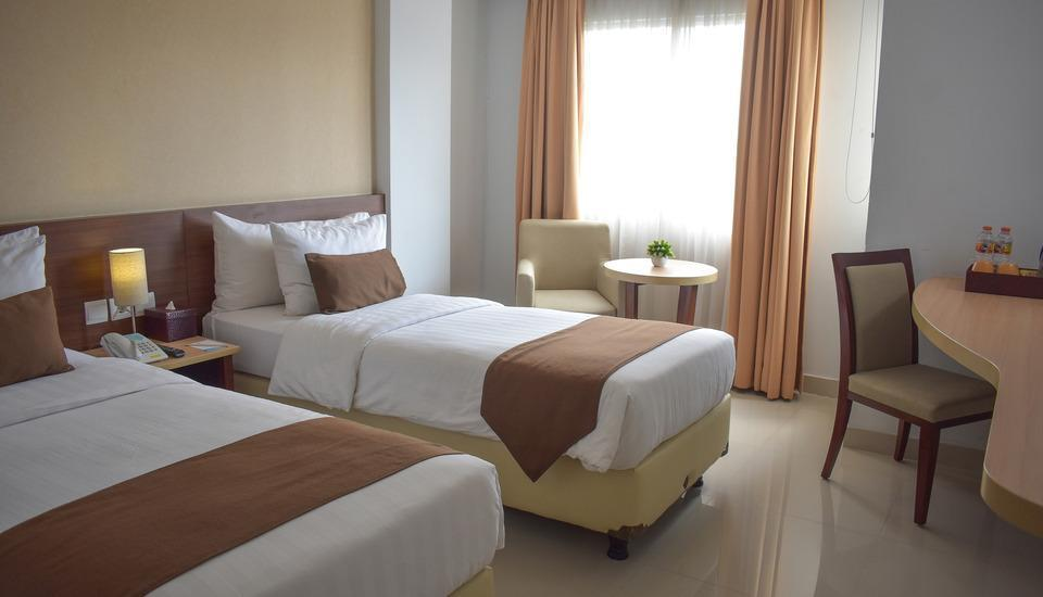 Bogor Valley Hotel - Superior Room With Breakfast Regular Plan