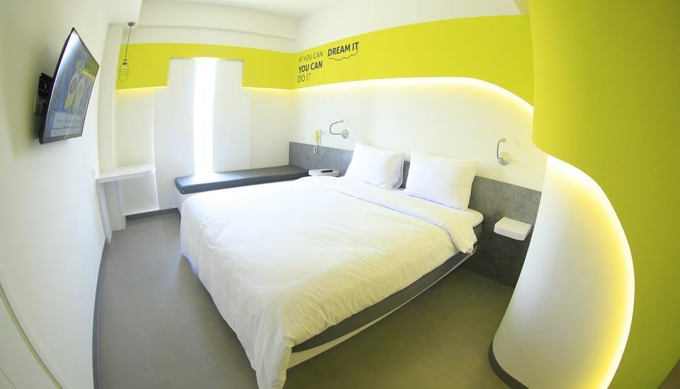 Yello Hotel Jemursari - Kamar Yello