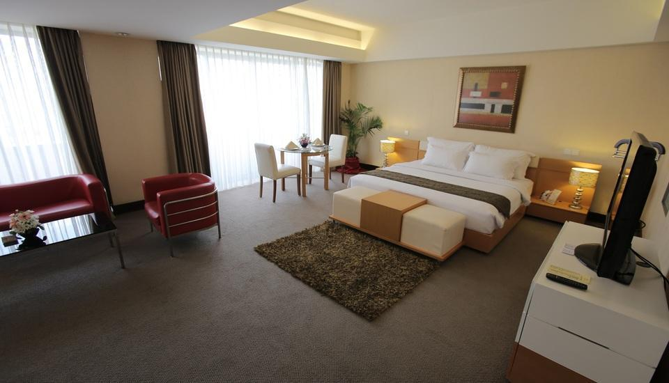 Merlynn Park Hotel Jakarta - Merlynn Suite With Breakfast Regular Plan