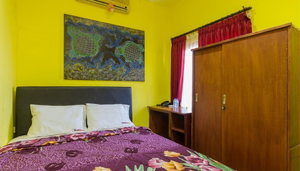 RedDoorz @Patimura Legian 2 Bali - Kamar tamu