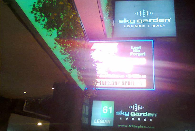 RedDoorz @Patimura Legian 2 Bali - Sky Garden Club
