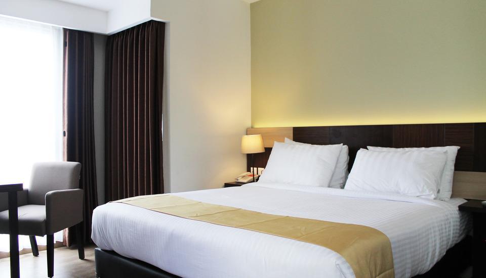 Hotel Gunawangsa MERR Surabaya - Deluxe Room Regular Plan
